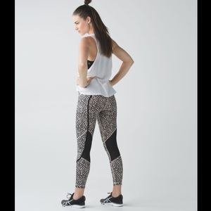 Lululemon Pedal To The Medal 7/8 Tight Size 6 EUC